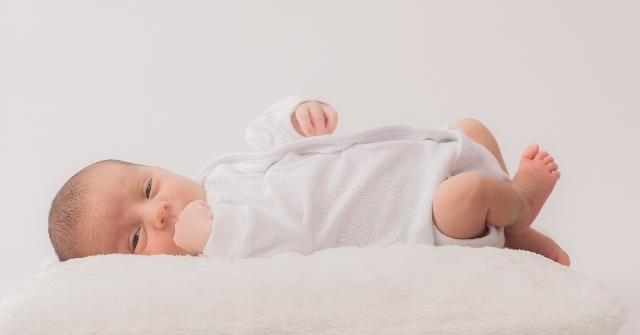 赤ちゃん ロンパース いつまで